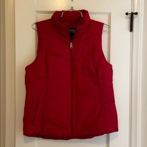 NEW! Lands End women's red vest size small.